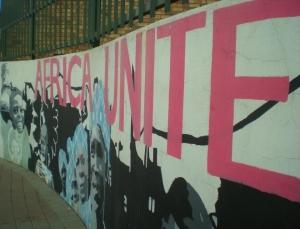 Grafiti per la unitat racial, a Newtown